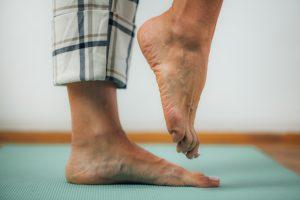 Ballant sur un pied